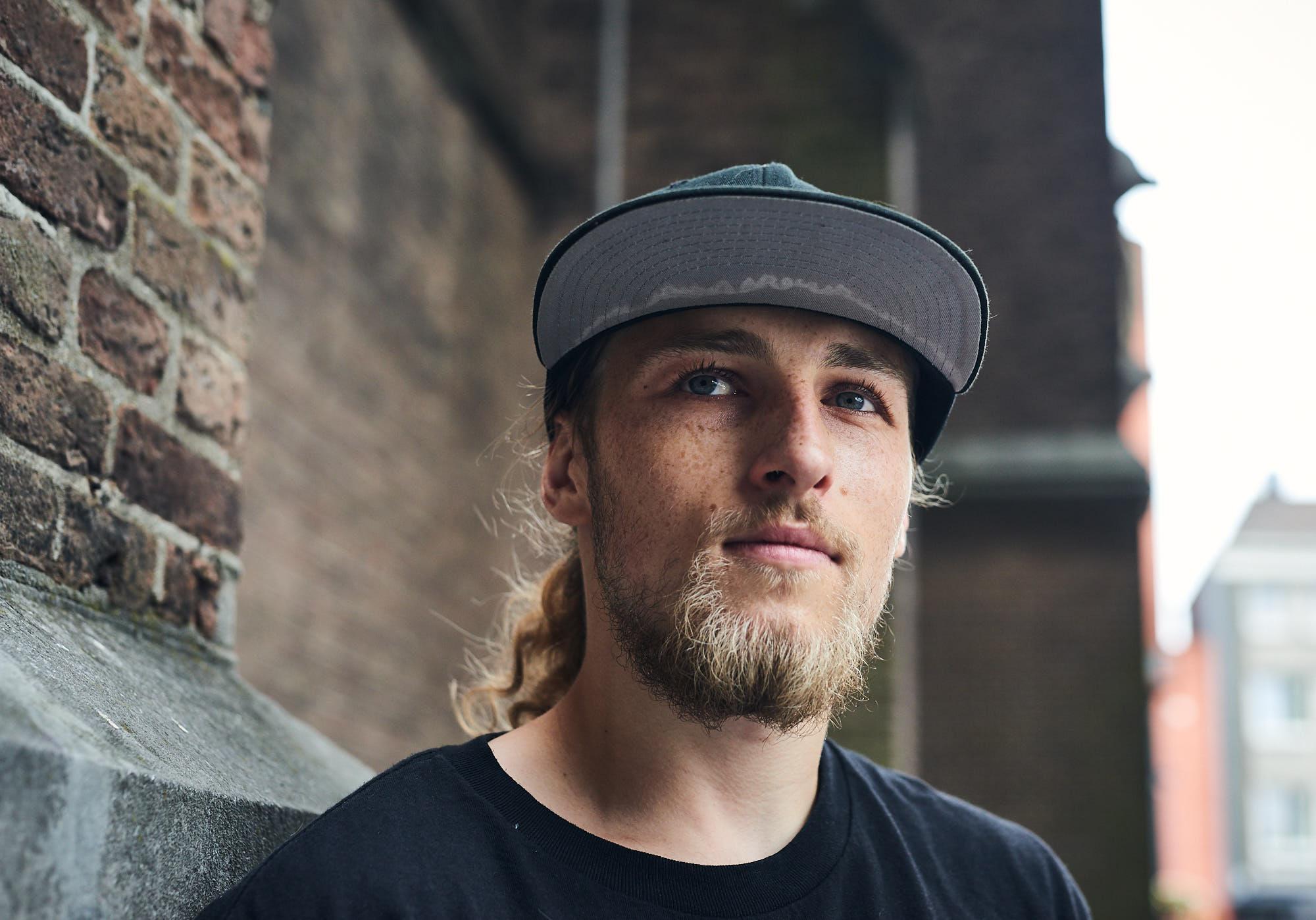Portrait of freerunner Bart van der Linden