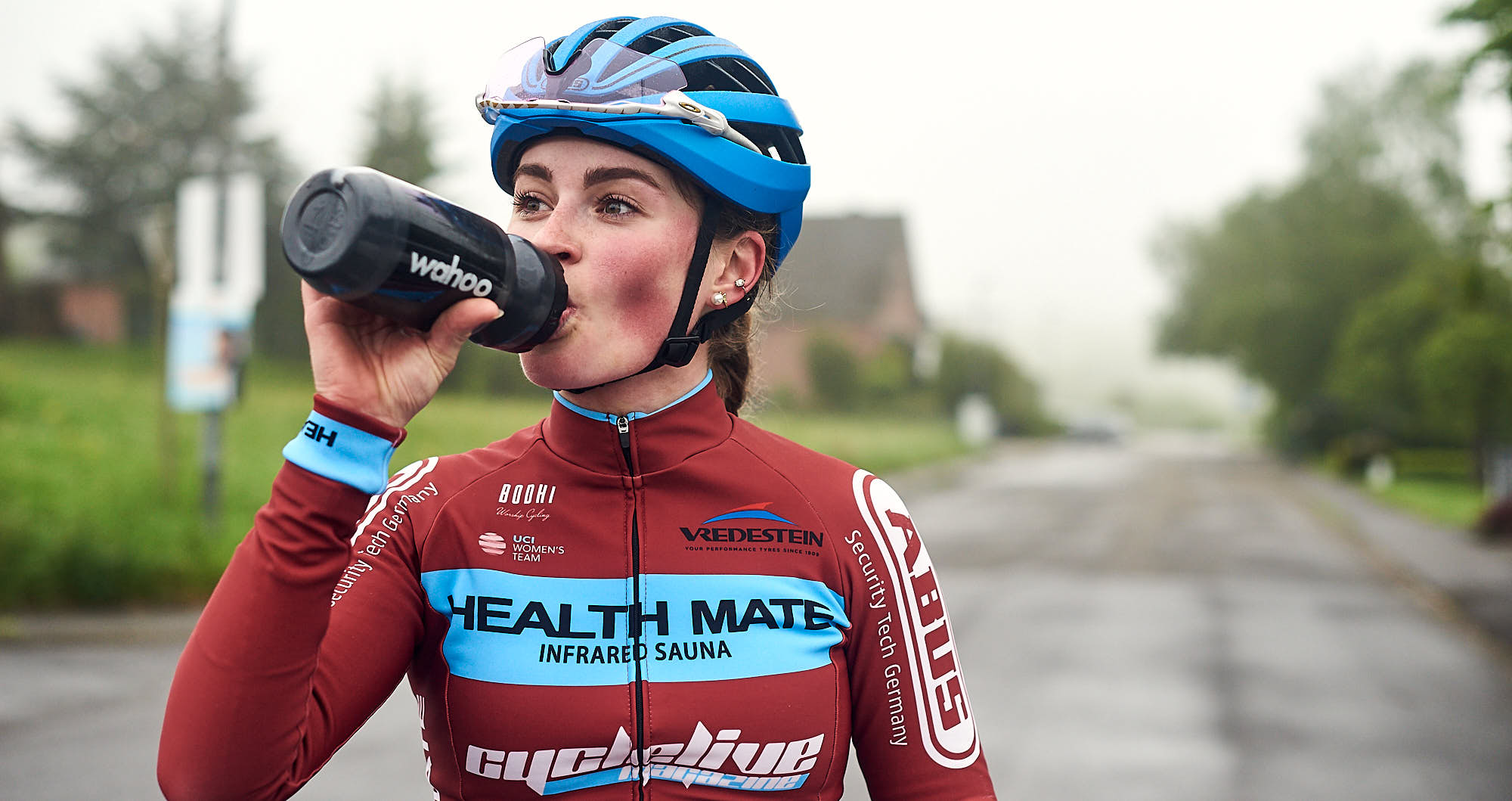 Elodie Kuijper rehydrating during training