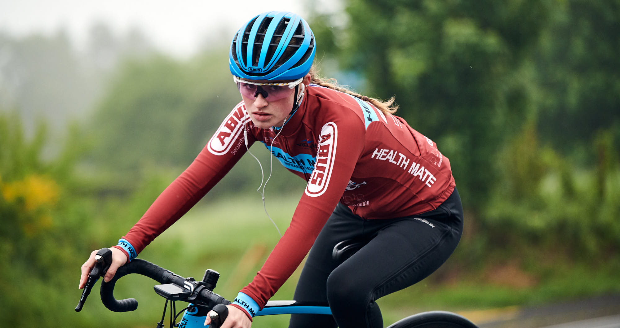 Elodie Kuijper riding her road bike in the Ardennes