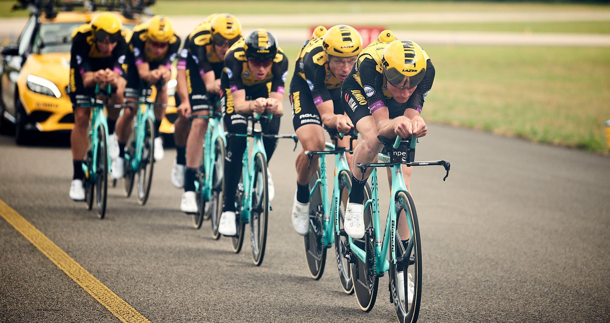 Jumbo-Visma practicing their team time trial formation