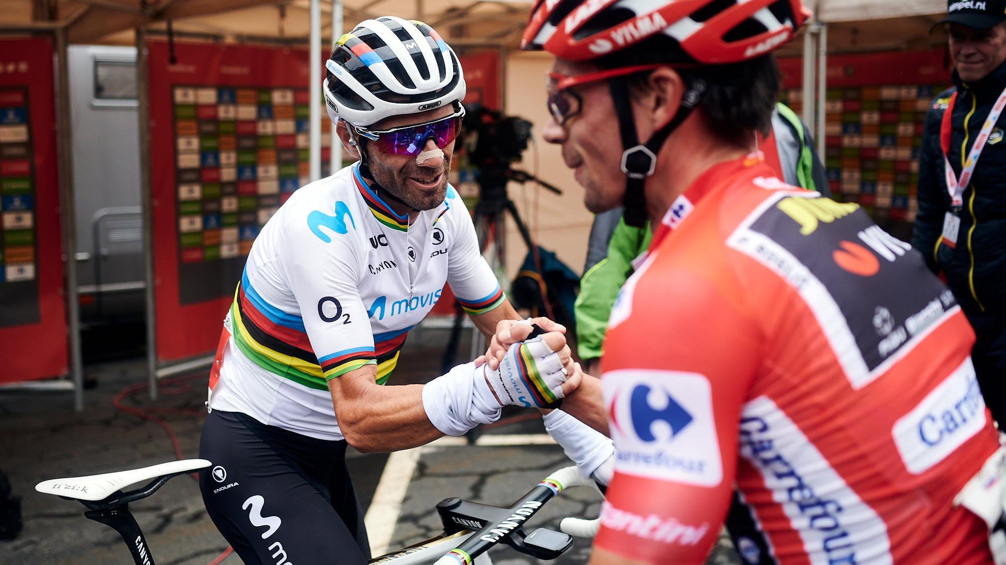 Alejandro Valverde congratulating Primoz Roglic during La Vuelta 2019